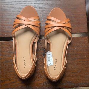 Torrid 10w -Cognac strap peep toe Dorsay (new)